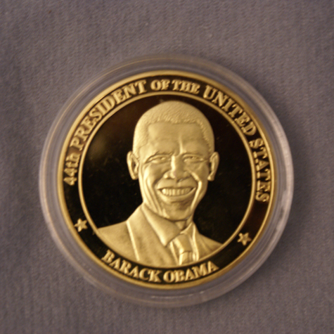 http://www.dcgiftshop.com/Product_Images/Inauguration/Obama-Coin.jpg